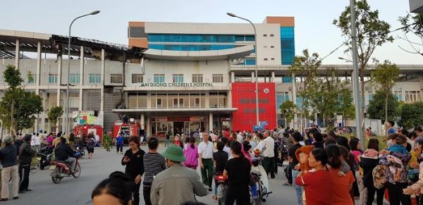 Cháy Bệnh viện Nhi Hải Dương, hàng trăm người ôm con hốt hoảng sơ tán 4