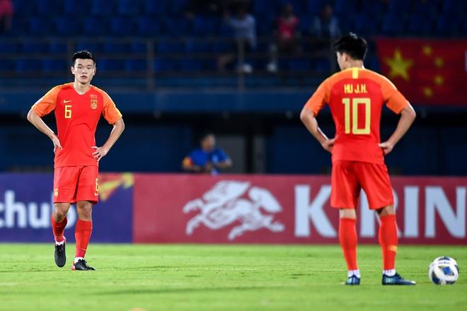 Trung Quốc về nước sớm: CĐV nói 'thật nhục nhã', BLV hiến kế nên nhập tịch 11 cầu thủ 3