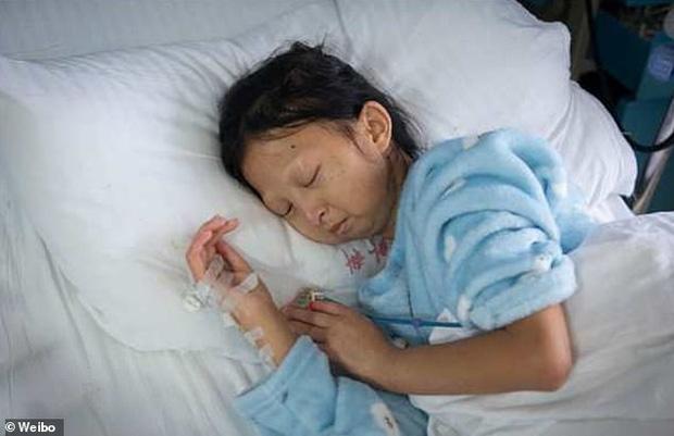 Ăn cơm với ớt suốt 5 năm, cô sinh viên nghèo nặng 21kg tử vong  2