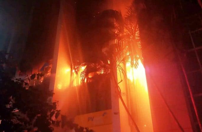 Cháy tòa nhà dầu khí Thanh Hóa: 2 người chết, 12 người bị ngạt khí 2