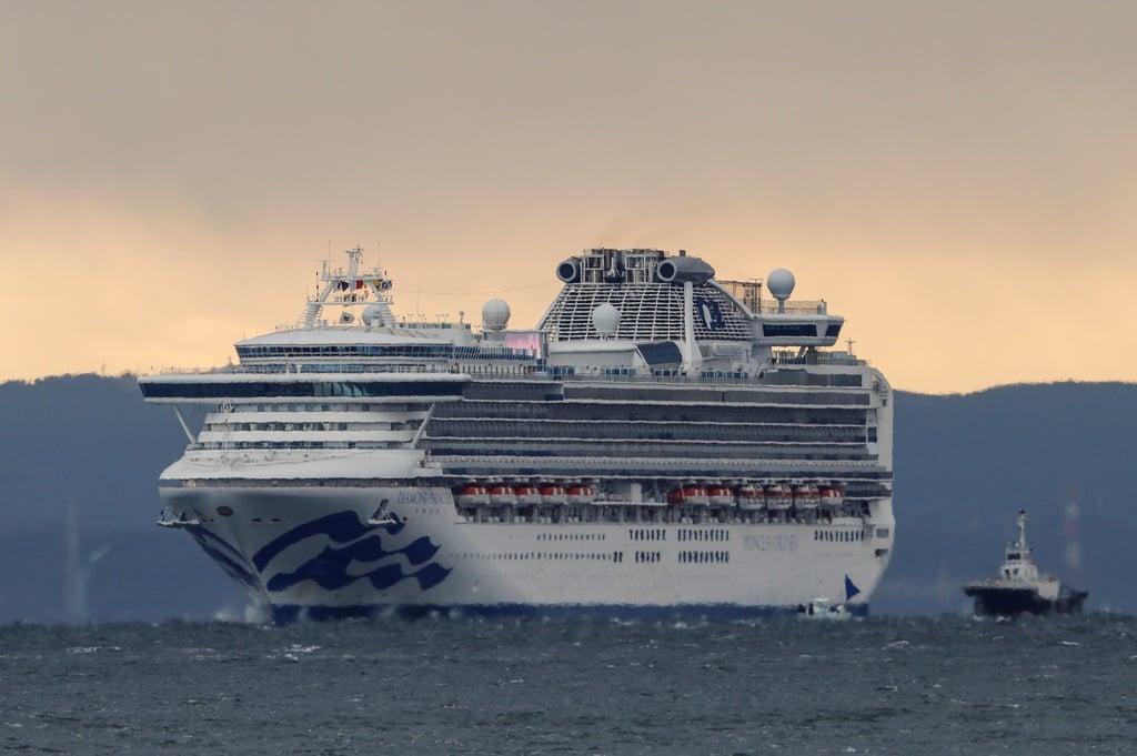 Đã có 20 người nhiễm virus Corona trên du thuyền 3.700 khách ở Nhật 2