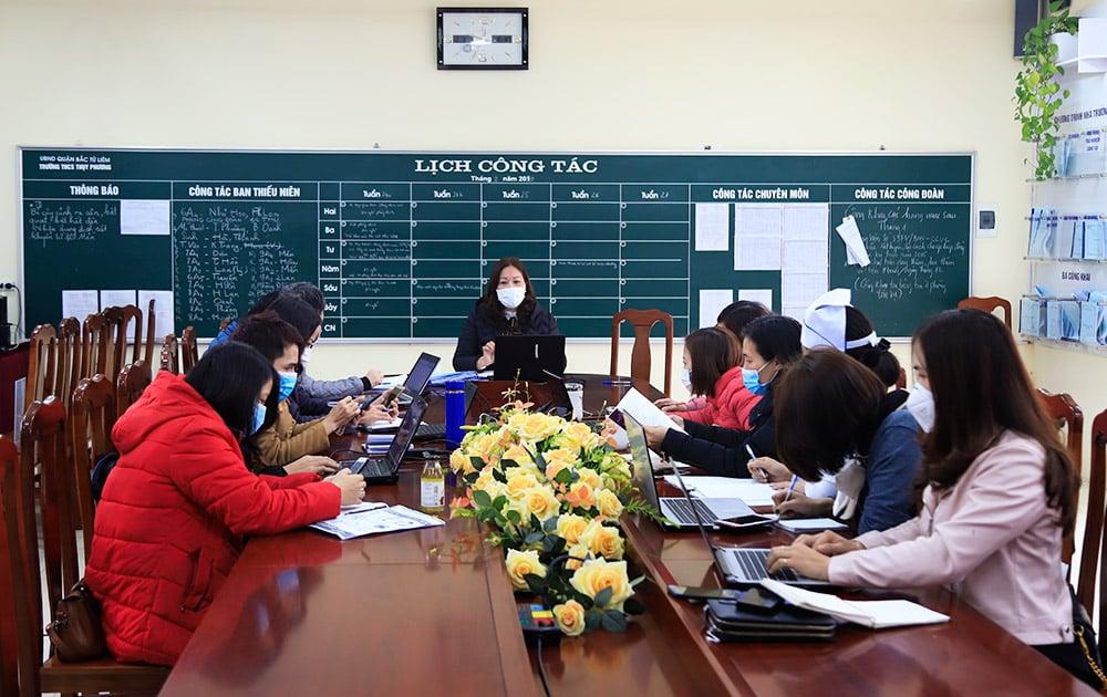 Giáo viên Hà Nội sáng tạo nhiều cách dạy trực tuyến mới cho học sinh 10