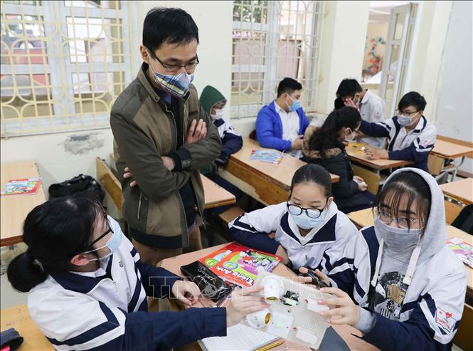 Chống dịch Covid-19: Giáo viên, học sinh không cần đeo khẩu trang khi đi học trở lại 1