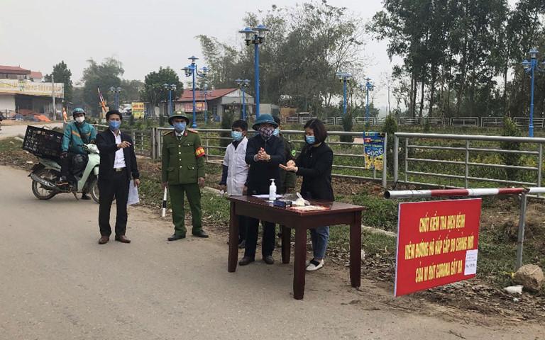 Phòng dịch Covid-19: Tổ công tác Bộ Y tế trực 24/24h ở 'tâm dịch' Vĩnh Phúc 1