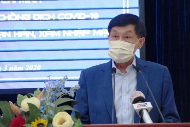 Bố chồng Hà Tăng nói về quyết định đưa con gái nhiễm Covid-19 về nước 1