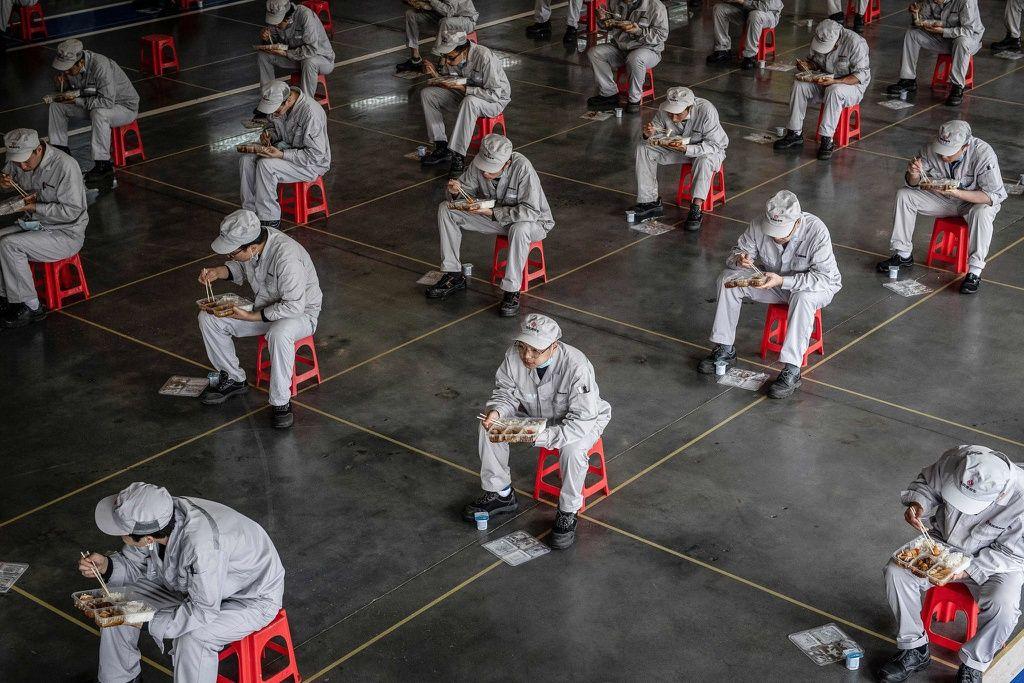 Chuyên gia Trung Quốc: Sự lây lan của Covid-19 chỉ mới bắt đầu 2