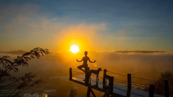Cô gái Việt gây sốt với bộ ảnh tập yoga vòng quanh thế giới tuyệt đẹp 2