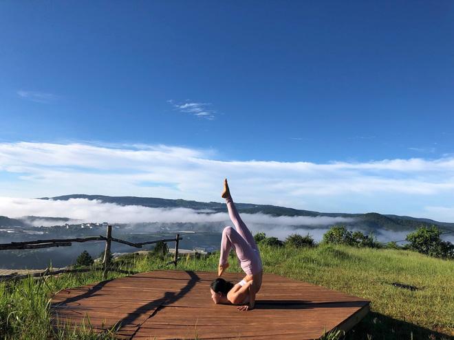 Cô gái Việt gây sốt với bộ ảnh tập yoga vòng quanh thế giới tuyệt đẹp 7