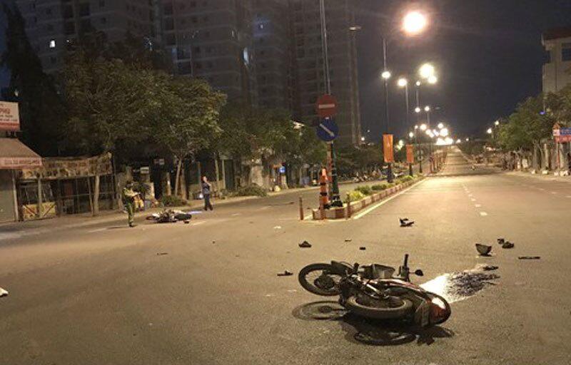 Tai nạn giao thông ngày 29/4: Xe máy tông nhau trong đêm, 5 người thương vong 1