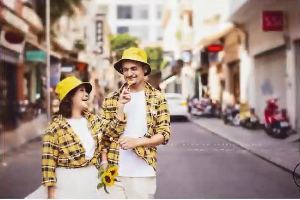 Cô dâu Việt 65 tuổi lộ ảnh cưới lãng mạn như tuổi teen với chồng trẻ  3