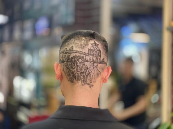 Tạo mẫu tóc hình nhân viên y tế ở Đà Nẵng để cổ vũ chống dịch 1