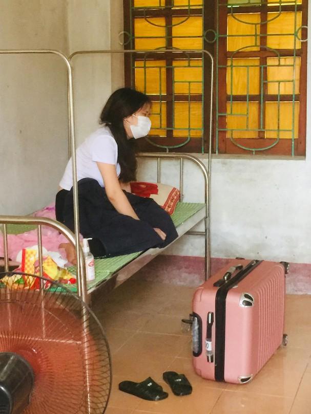 Từ Đà Nẵng về quê chịu tang mẹ, cô gái trẻ nén đau tự nguyện vào khu cách ly 3