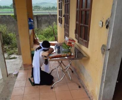 Từ Đà Nẵng về quê chịu tang mẹ, cô gái trẻ nén đau tự nguyện vào khu cách ly 1
