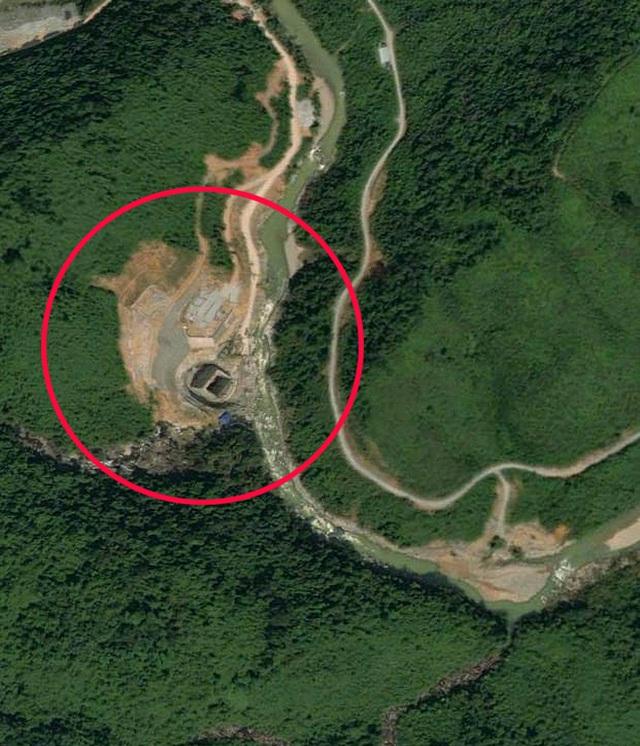 Vụ sạt lở làm 30 người mất tích: Trực thăng đã cất cánh, bộ đội công binh đưa quân dồn dập vào thủy điện Rào Trăng 3 5