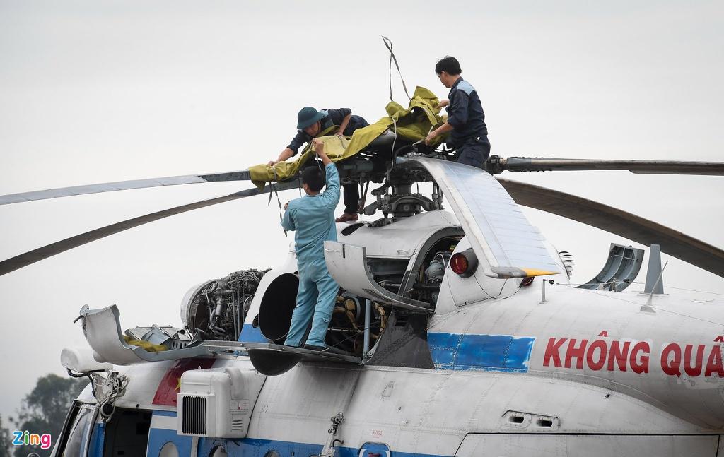 Vụ sạt lở làm 30 người mất tích: Trực thăng đã cất cánh, bộ đội công binh đưa quân dồn dập vào thủy điện Rào Trăng 3 1