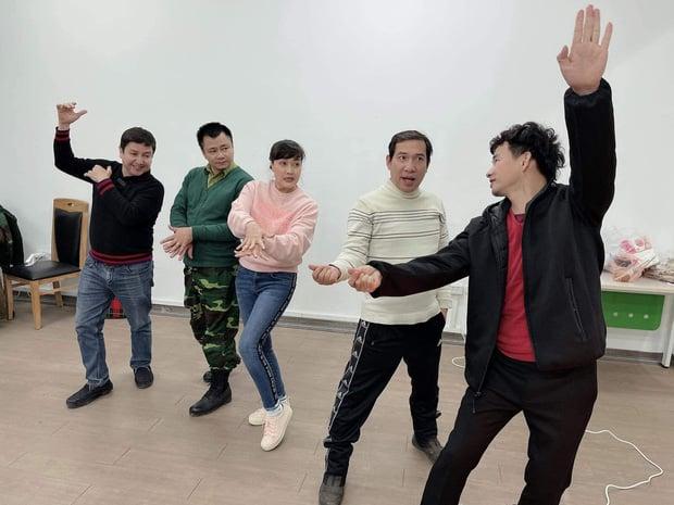 آشکار شدن فست فود در طی تمرین هنرمندان Apple Quan هواداران را بسیار نگران کرد 3