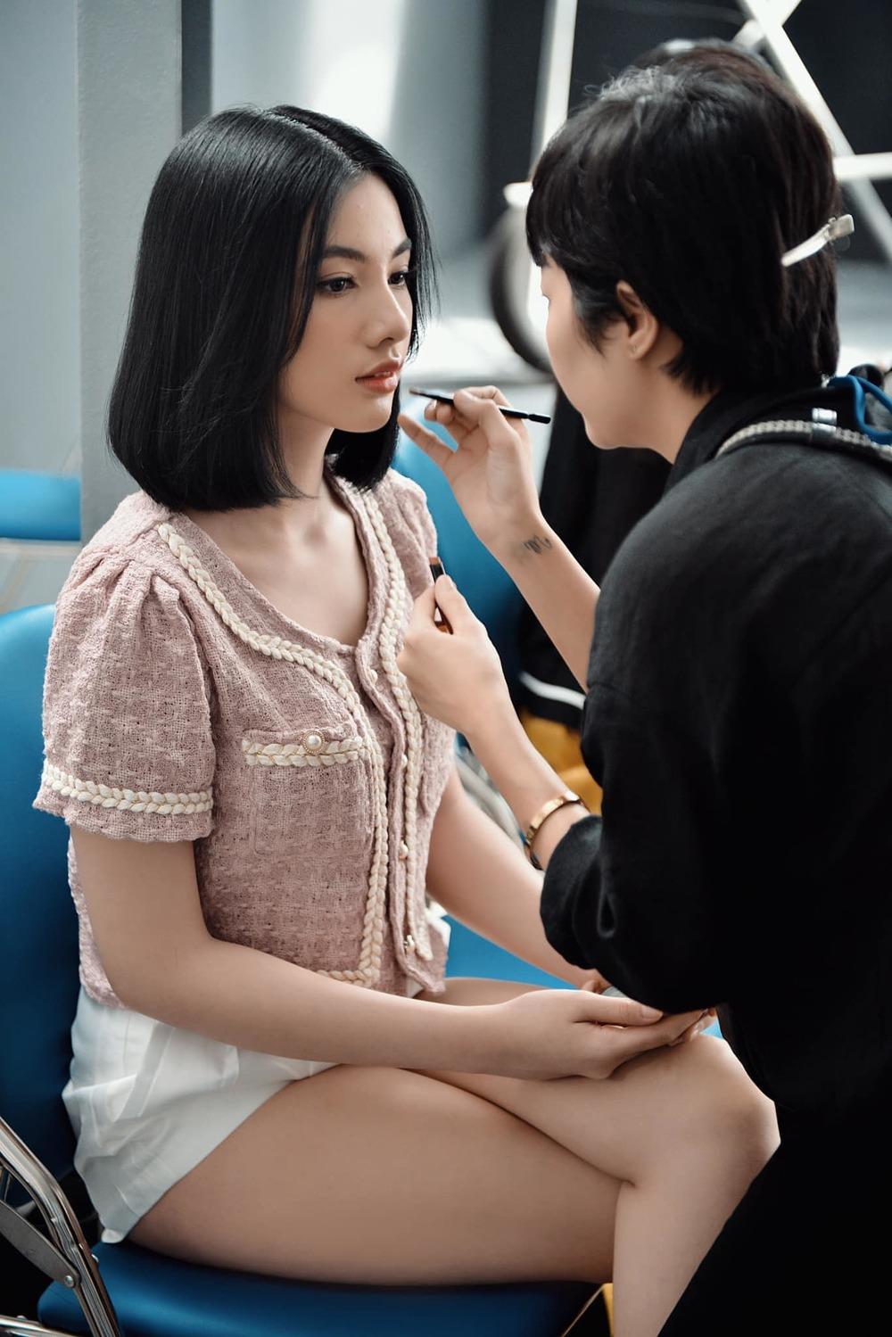 Sao Việt 20/8: Ngọc Trinh 'mặt tròn như đĩa'; Tình tin đồn của chồng cũ Lệ Quyên bị nghi ngờ về giới tính 3