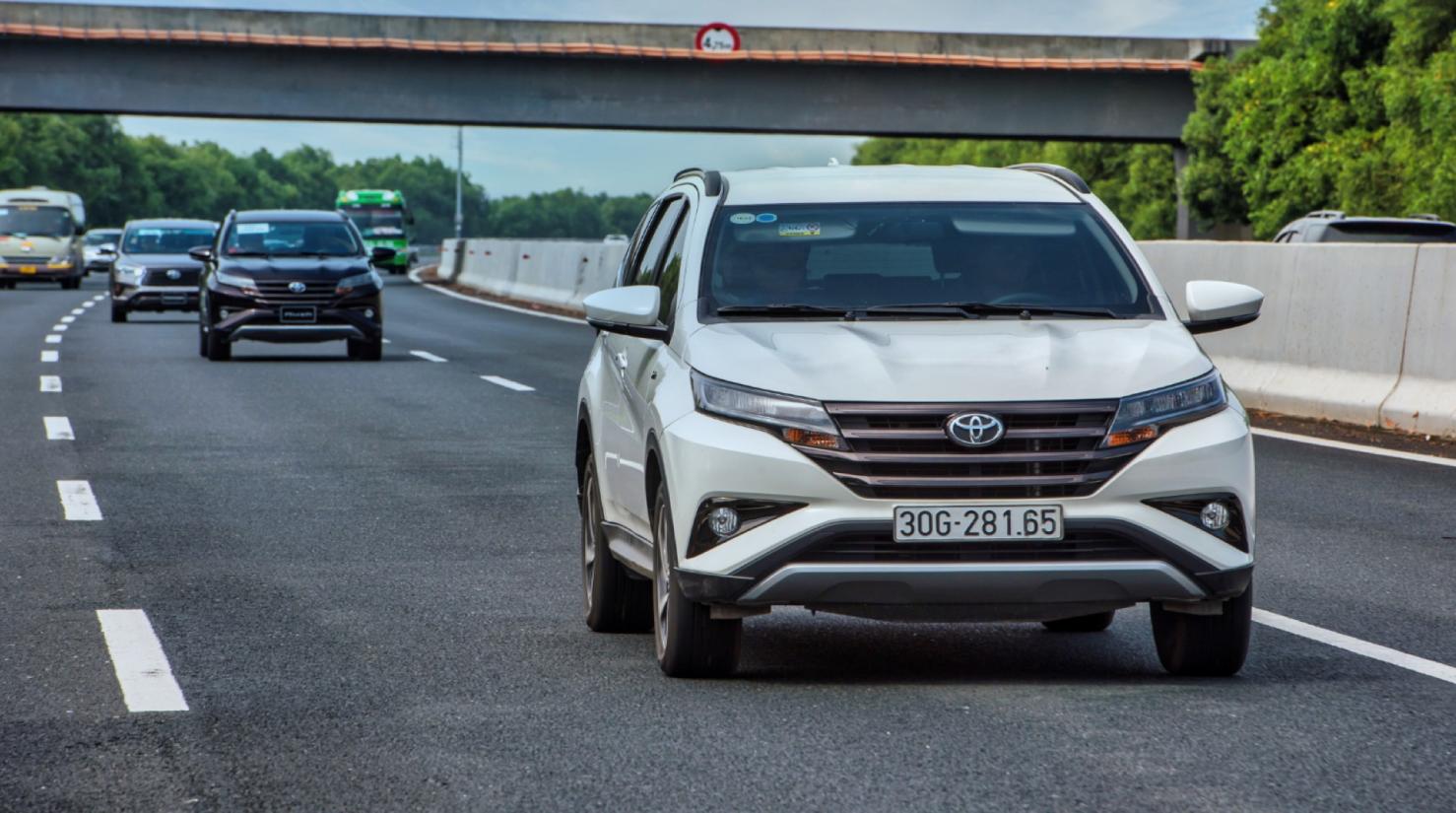 Toyota Rush tung gói ưu đãi cực lớn dịp cuối năm, cơ hội Vàng cho các fan Toyota 3
