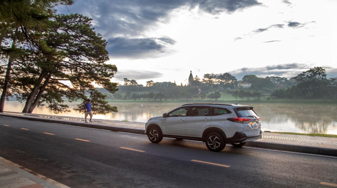 Toyota Rush tung gói ưu đãi cực lớn dịp cuối năm, cơ hội Vàng cho các fan Toyota 4