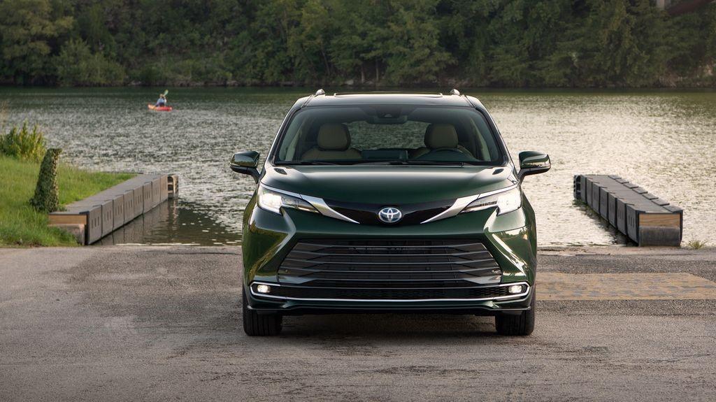 Toyota 'chào hàng' siêu phẩm mới cho đại gia Việt: Giá cao nhất khoảng 4,4 tỷ đồng 3