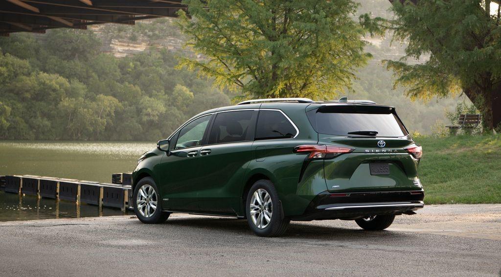 Toyota 'chào hàng' siêu phẩm mới cho đại gia Việt: Giá cao nhất khoảng 4,4 tỷ đồng 2