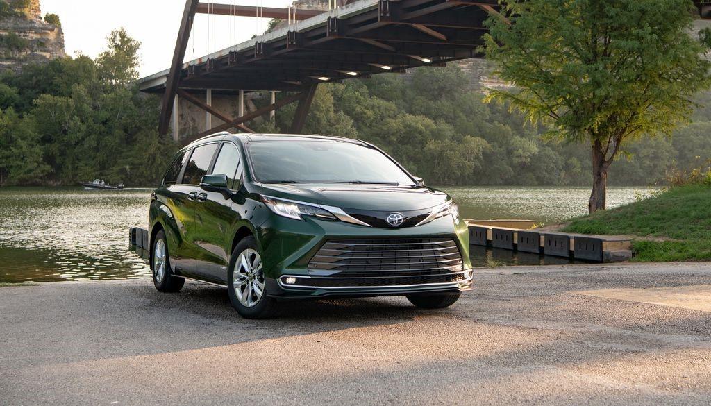 Toyota 'chào hàng' siêu phẩm mới cho đại gia Việt: Giá cao nhất khoảng 4,4 tỷ đồng 1