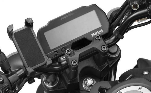 Yamaha trình làng MT-15 phiên bản mới 2021 giá rẻ bất ngờ khiến Honda cũng chỉ biết 'câm nín' 1