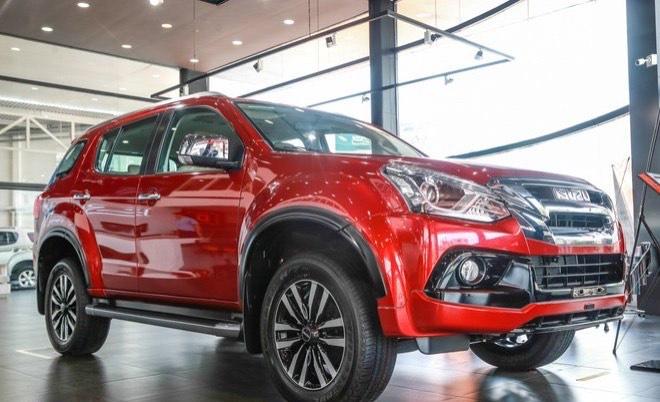 Các mẫu xe giảm phí trước bạ đến hết tháng 2: VinFast, Mitsubishi được điểm tên 2
