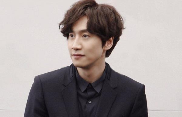 Lee Kwang Soo bất ngờ gặp tai nạn xe hơi phải phẫu thuật gấp 1