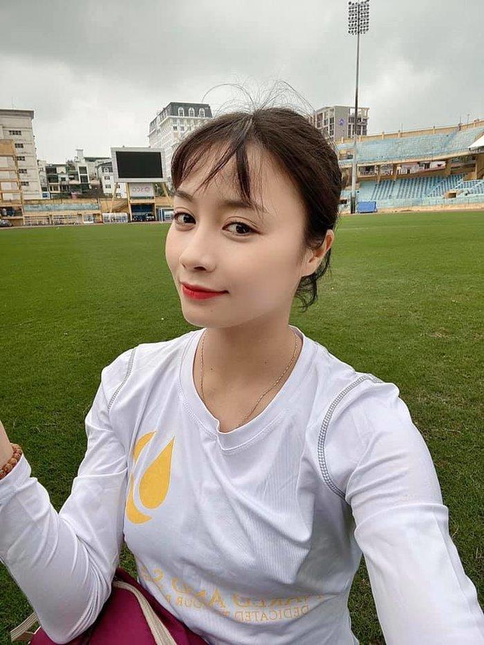 'Hot girl bóng đá' Hoàng Thị Loan lọt top 10 cầu thủ xinh đẹp nhất châu Á 3