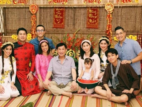 Em trai út nhà chồng Tăng Thanh Hà ngày càng điển trai, đĩnh đạc tuổi 21 3