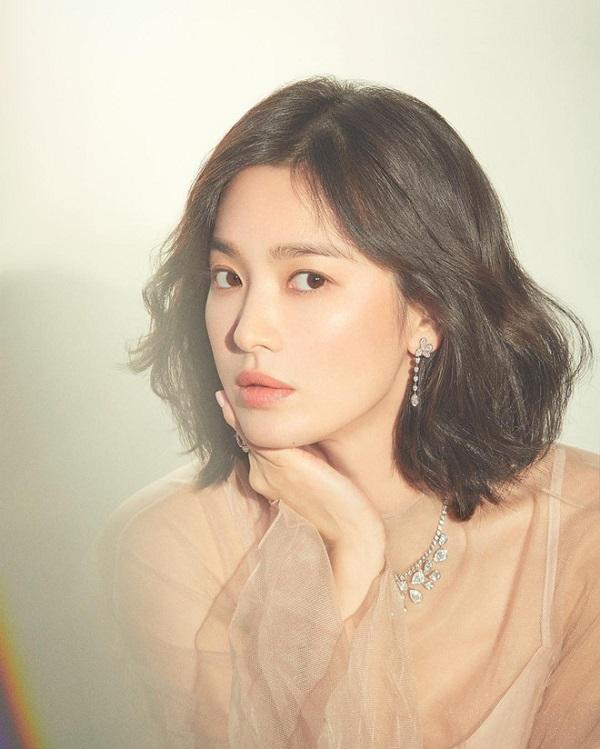 Song Hye Kyo đã 'mê hoặc' Song Joong Ki và cả tá nam thần chỉ bằng điều này 6