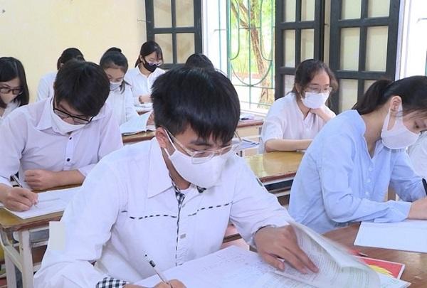 Tỉnh Hà Nam hoàn thành chấm thi tốt nghiệp, gần 190 bài đạt điểm 9 trở lên môn Văn 2