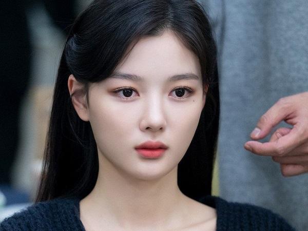 زیبایی شکننده الهه صفحه نمایش Kim Yo Jung 6 را ببینید