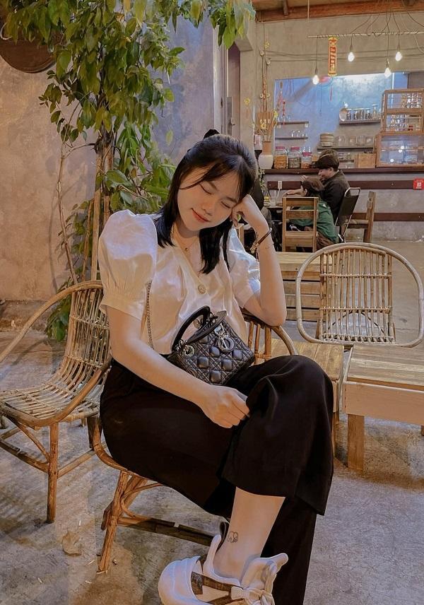 فقط با یک جزئیات ، کاربران شبکه ارتباط عاطفی فعلی بین Huynh Anh و Quang Hai 1 را برجسته می کنند
