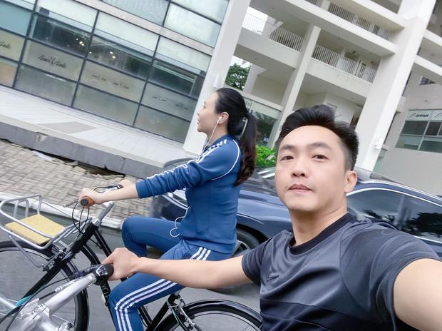 Hồ Ngọc Hà khoe khoảnh khắc đặc biệt bên Kim Lý sau khi hạ sinh cặp long phụng 5