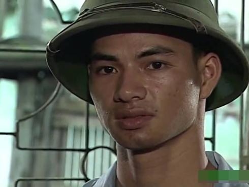 Xuan Buck که اخیراً به عنوان مدیر تئاتر درام ویتنامی معرفی شد ، توسط یک صفحه طرفدار VTV در ملاly عام