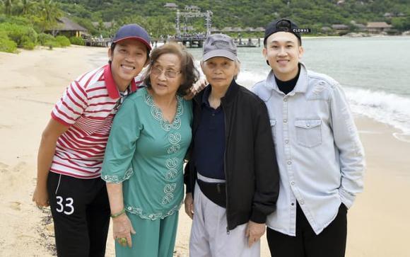 دیدن هوای لین با لبخندی شاد برای اولین بار پس از از دست دادن برادرش چی تای و عمه نزدیکش 4 سال پیش