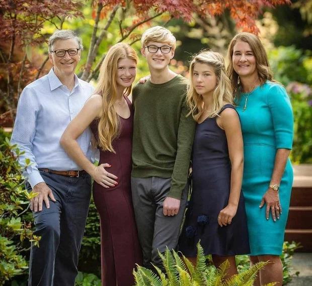 Cuộc sống của cậu ấm 'bí mật' duy nhất nhà Bill Gates giờ ra sao?