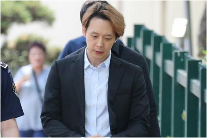 Park Yoo Chun khiến fan phẫn nộ vì làm điều này ngay sau phiên tòa 1