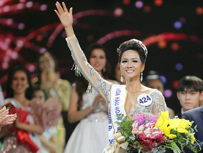 Hoa hậu H'Hen Niê được giữ lại vương miện 2,7 tỷ đồng bởi lý do đầy bất ngờ 2