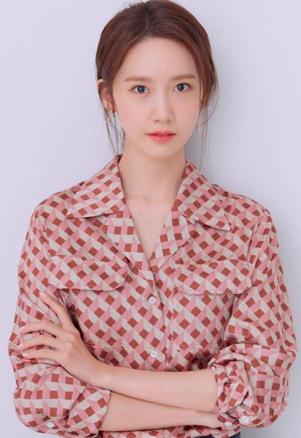 Yoona SNSD tung bộ ảnh mới, nhan sắc 'nữ thần' khiến cư dân mạng trầm trồ 4