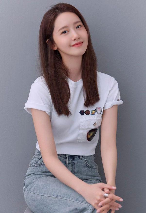 Yoona SNSD tung bộ ảnh mới, nhan sắc 'nữ thần' khiến cư dân mạng trầm trồ 1