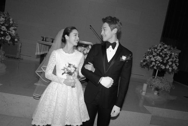 Bức ảnh cưới màu duy nhất của Kim Tae Hee - Bi Rain bất ngờ lộ diện sau 2 năm 1