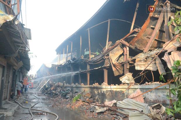 Hiện trường tan hoang, trơ trụi sau đám cháy dữ dội tại nhà máy Rạng Đông 4
