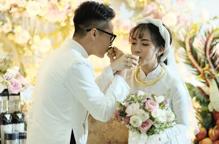 Trấn Thành nhắn nhủ 1 câu xúc động tại đám cưới con gái Minh Nhựa 3