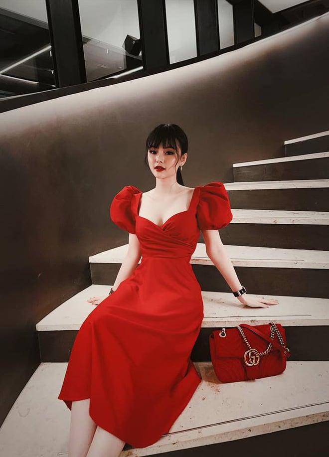 Em gái Angela Phương Trinh xinh đẹp, gợi cảm 'lấn át' cả chị ruột 4