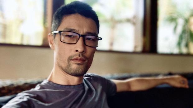 Johnny Trí Nguyễn tái xuất ngoạn mục sau hình ảnh già nua, gầy gò 1