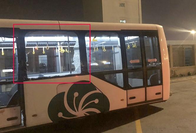 Xe buýt gặp tai nạn trong sân bay Tân Sơn Nhất, nhiều người bị thương 1