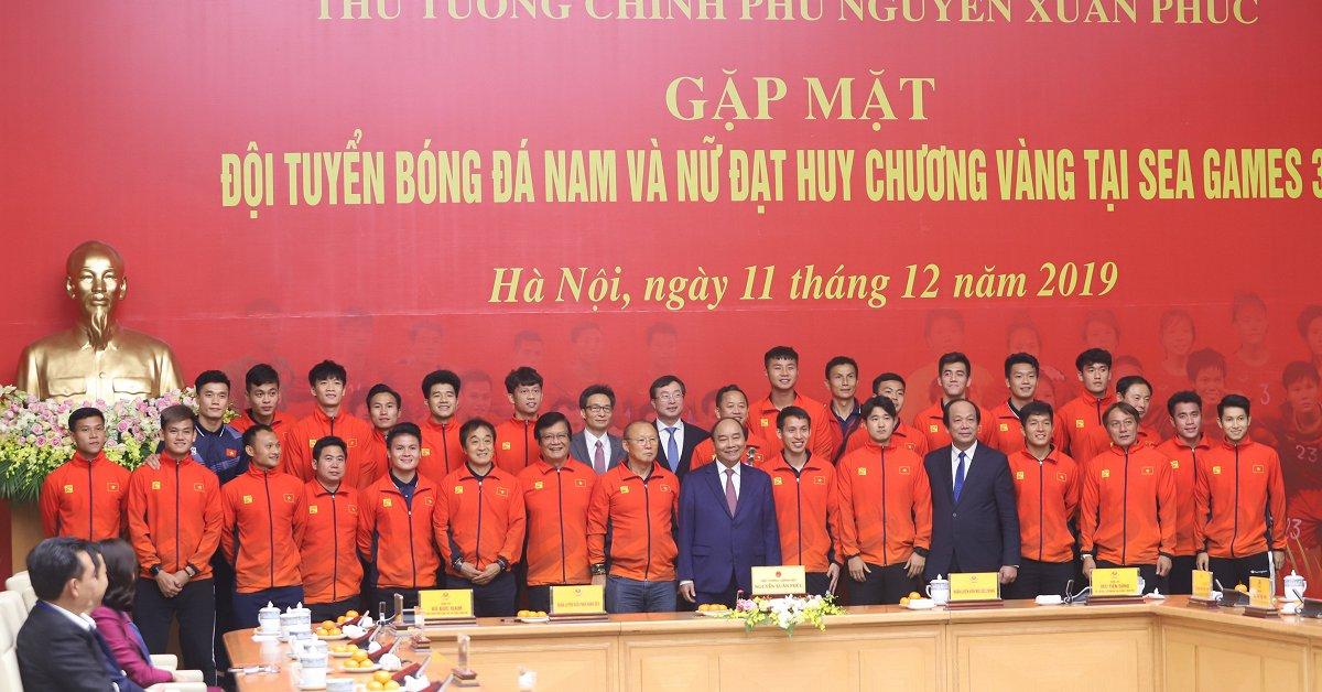 Sau SEA Games, Shark Liên thưởng 'nóng' cho cả tuyển nữ và U22 Việt Nam 2